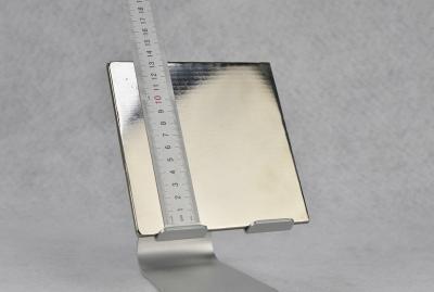 Lanthanum based amorphous alloy